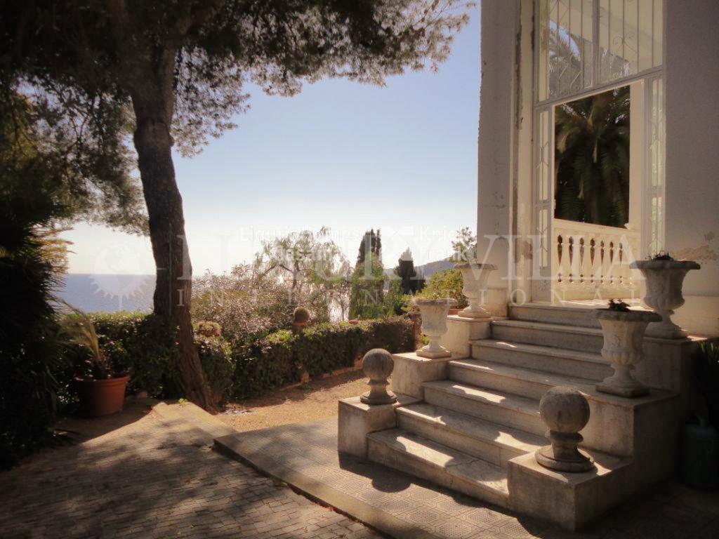 Villa ad Ospedaletti